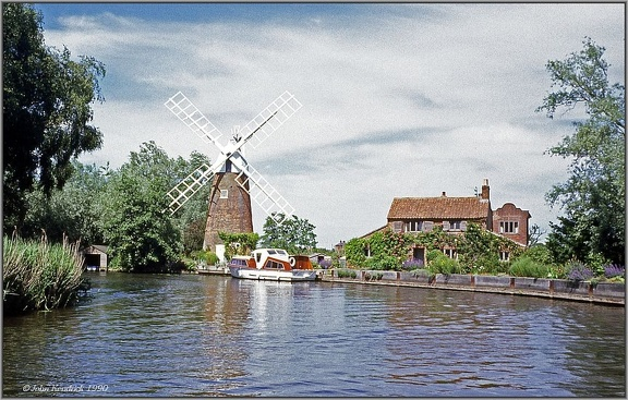 16 Hunsett Windmill and Mill House_wb1000w.jpg